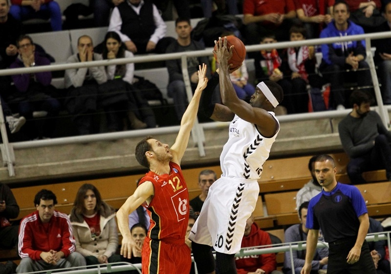 Doron Perkins - Besiktas Integral Forex - EC13 (photo Esther Casas - CAI Zaragoza)