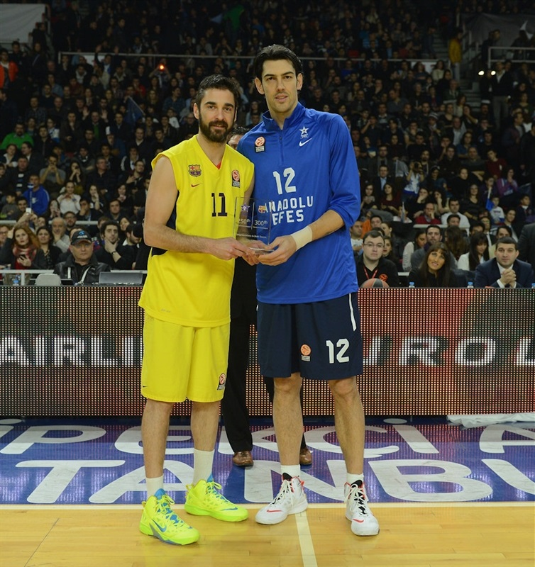Juan Carlos Navarro and Kerem Gonlum - 300 games Euroleague FC Barcelona - EB13