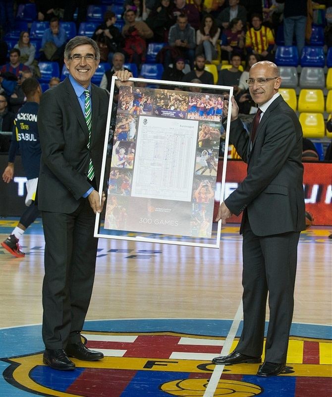 FC Barcelona, tribute for 300 games in the competition