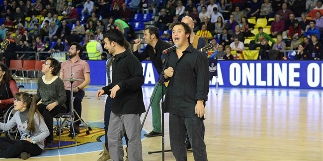 One team hosts clams for a very special halftime concert for Puerta 0 palau blaugrana