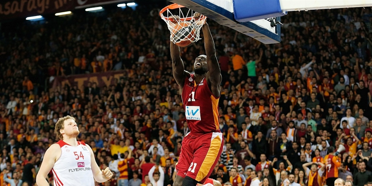 Pops Mensah-Bonsu - Galatasaray Liv Hospital - EB13_55339