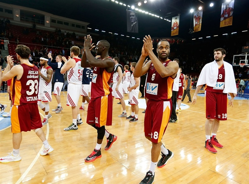 Malik Hairston - Galatasaray Liv Hospital celebrates - EB13