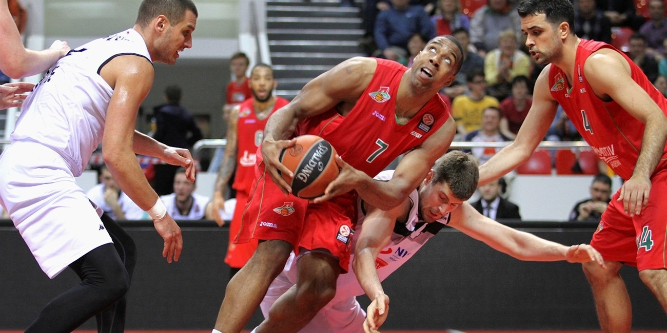 Unicaja Malaga picks up big man Hendrix