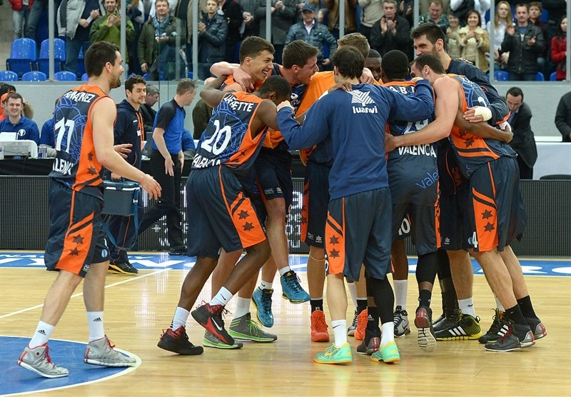 Valencia Basket celebrates - EC13 (photo Nizhny Novgorod)