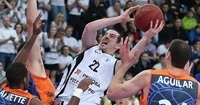 Nizhny Novgorod re-signs Rochestie