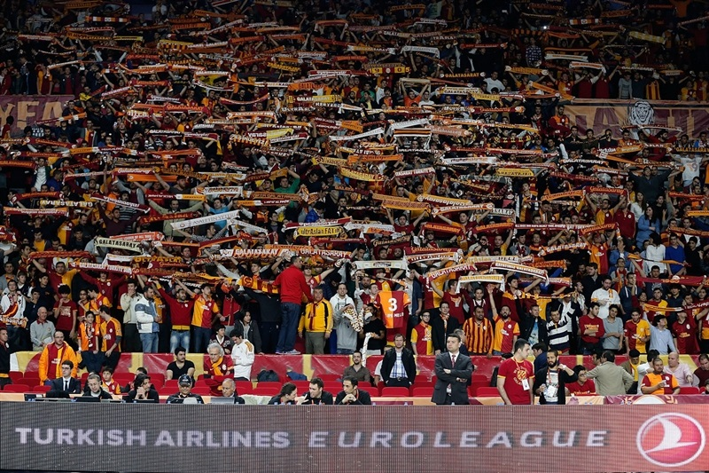 Galatasaray Liv Hospital Fans - EB13