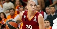 Galatasaray's leader, Arroyo, out for Game 2