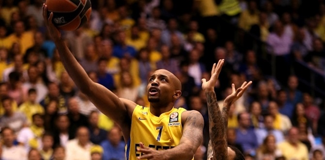 Fenerbahce lands All-Euroleague guard Hickman