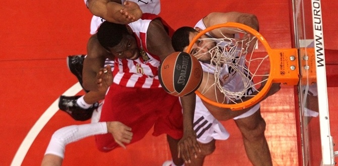 Playoffs Game 3 bwin MVP: Bryant Dunston, Olympiacos Piraeus