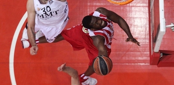 Playoffs Game 4 bwin MVP: Bryant Dunston, Olympiacos Piraeus