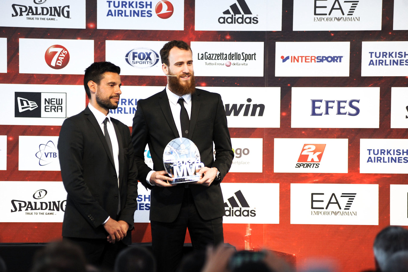 Daniele Sano, bwin Head of Sponsorships and Events with Sergio Rodriguez - Real Madrid - bwin MVP 2013-14 - Final Four Milan 2014