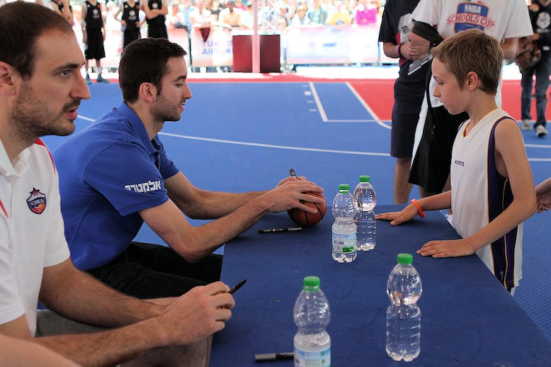 Yogev Ohayon - Meet and Greet the players in Fan Zone - Final Four Milan 2014