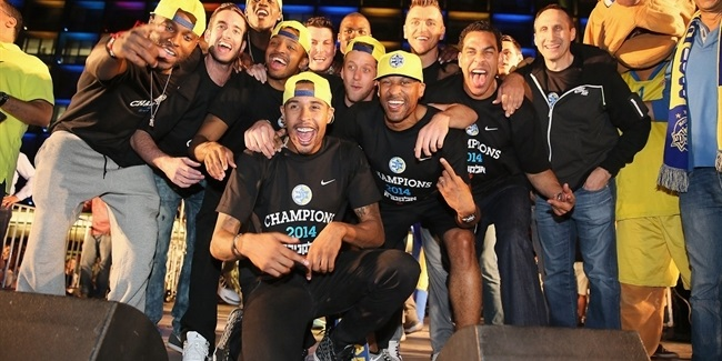 Tel Aviv rolls out yellow carpet for new champs!