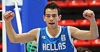 Olympiacos pens young guard Mouratos to 5-year deal