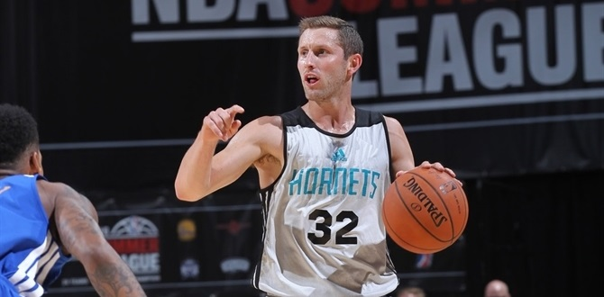Telekom Baskets adds guard McConnell