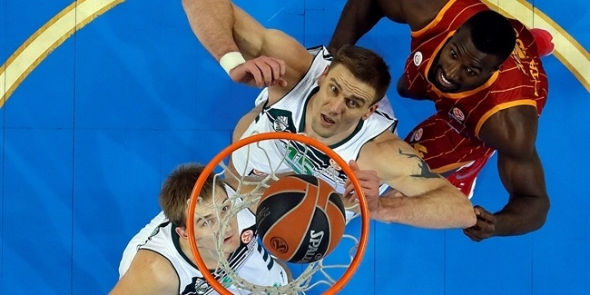 Zalgiris re-signs veteran center Javtokas