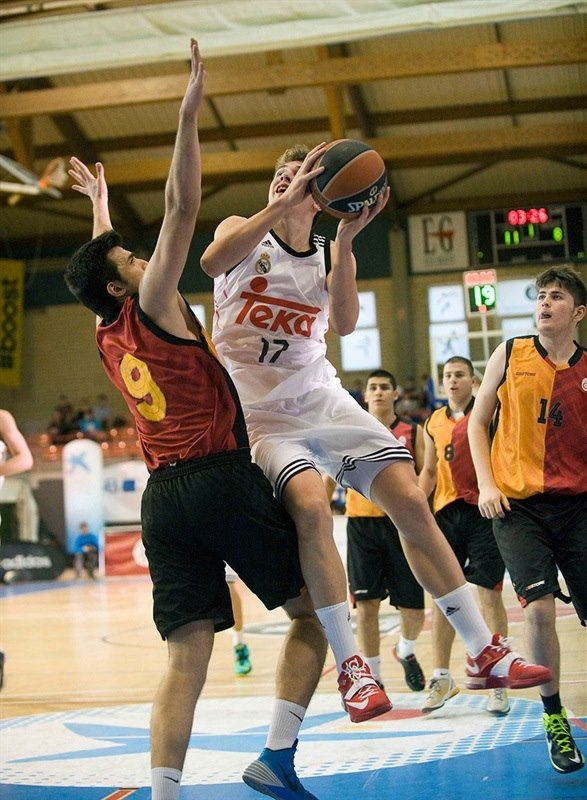 Luka Doncic - IJT Real Madrid - Ciutat de L'Hospitalet 2015 (photo Paco Largo)