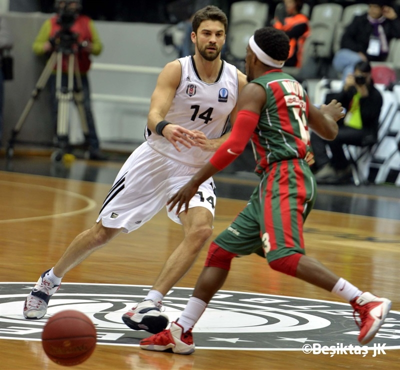 Engin Atsur - Besiktas Integral Forex Istanbul - EC14 (photo Besiktas JK)