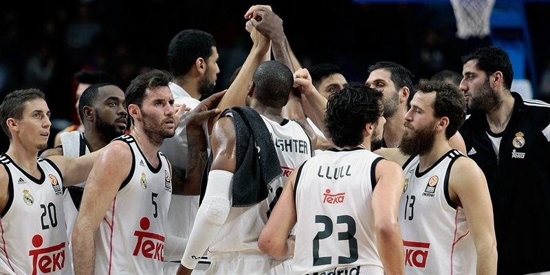 Real Madrid celebrates - EB14