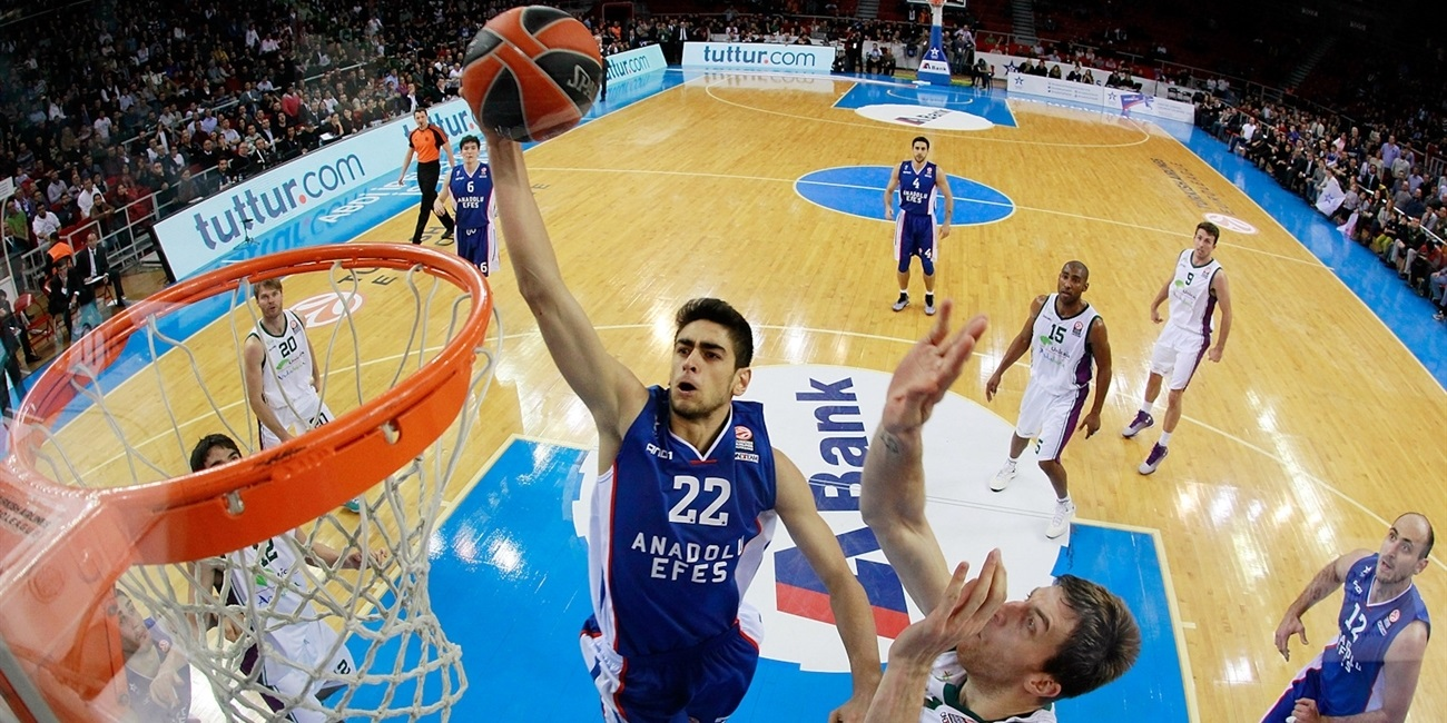 Draper's late heroics lead Efes past Unicaja