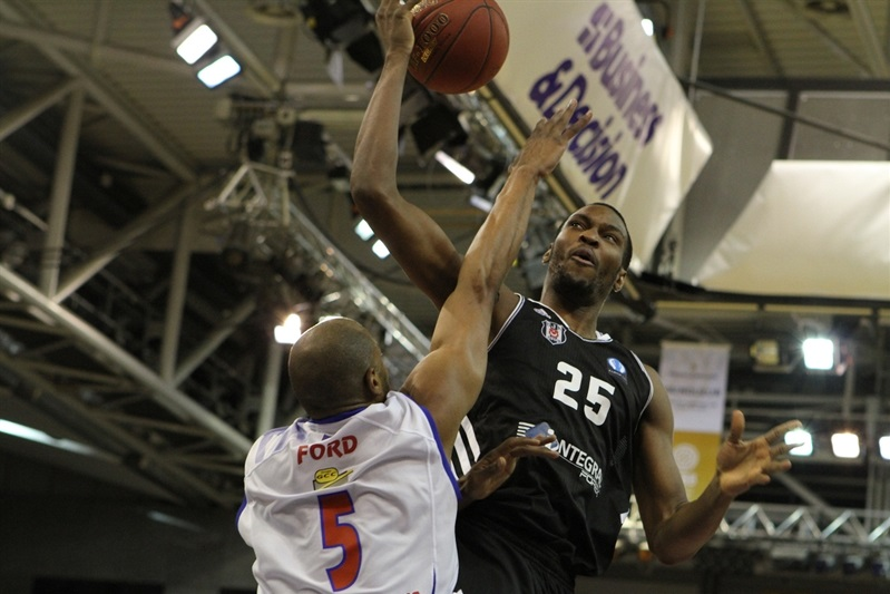 Jajuan Johnson - Besiktas Integral Forex Istanbul - EC14 (photo Paris Levallois)