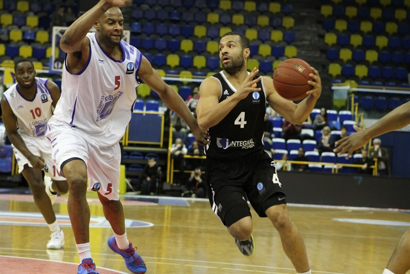 Chris Lofton - Besiktas Integral Forex Istanbul - EC14 (photo Paris Levallois)