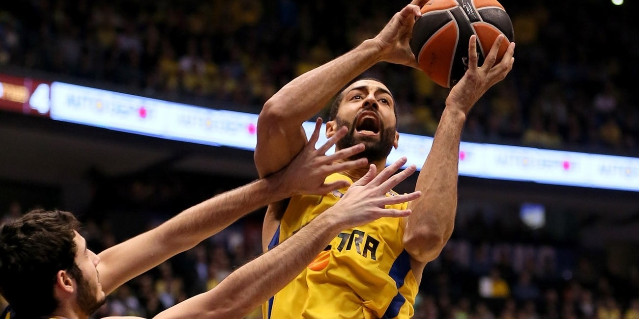 Maccabi and power forward Randle reconnect