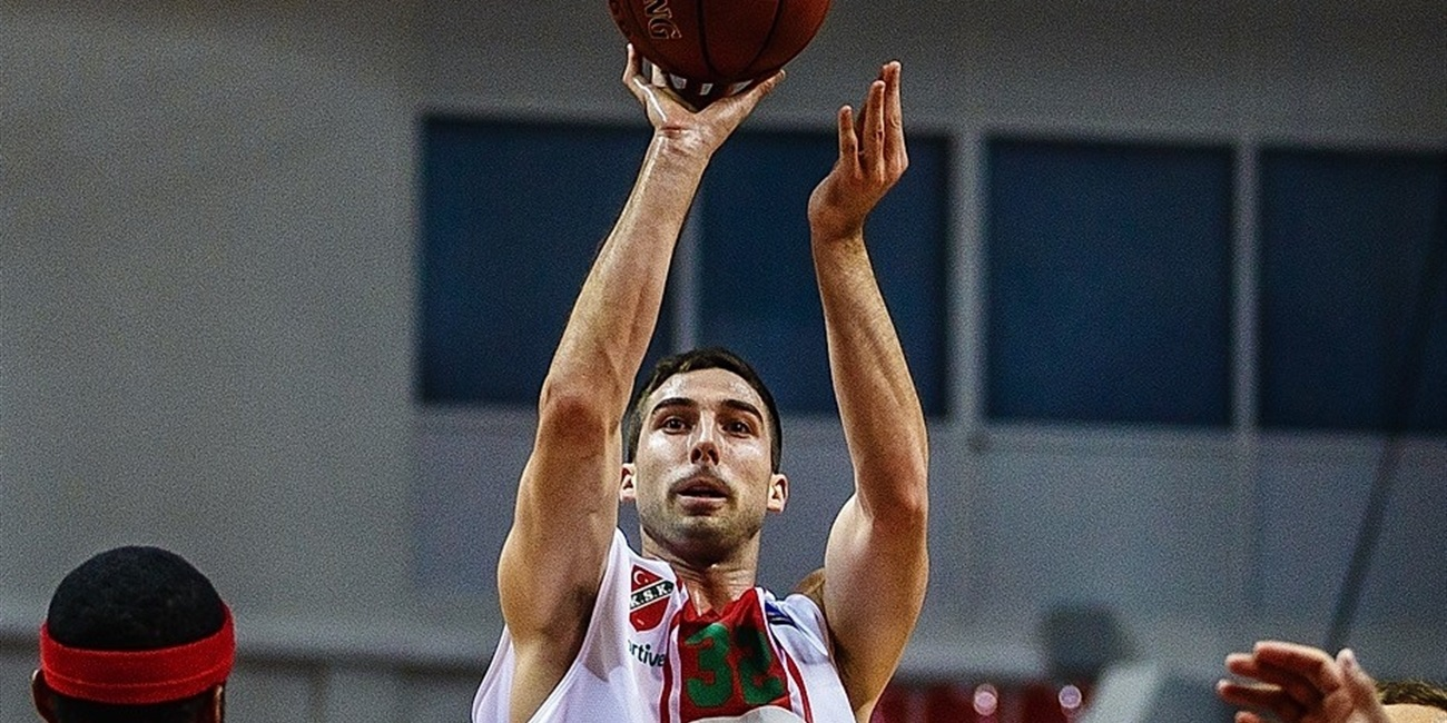 Anadolu Efes adds sharp shooter Diebler