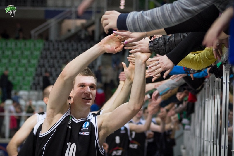 Nemanja Jaramaz celebrates - PGE Turow Zgorzelec - EC14 (photo PGE Turow)