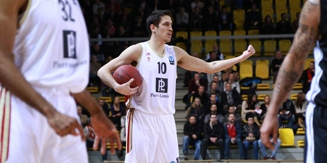Strasbourg re-signs combo-guard Lacombe