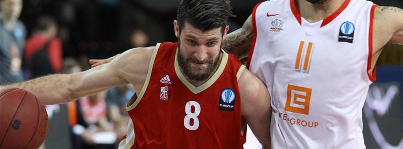 Valencia inks point guard Diot