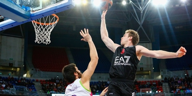 Brose Baskets signs forward Melli