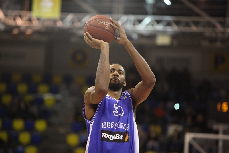 Keith Benson - Neptunas Klaipeda - EC14 (photo Paris Levallois)