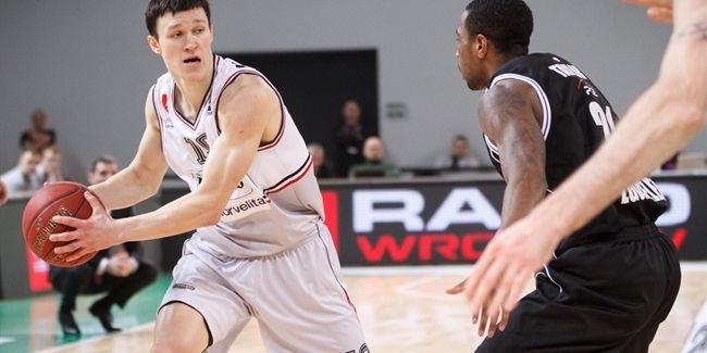 Lietkabelis puts Janavicius in backcourt