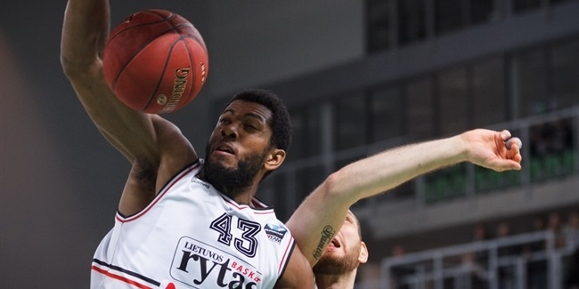 Reggio Emilia adds forward Moser