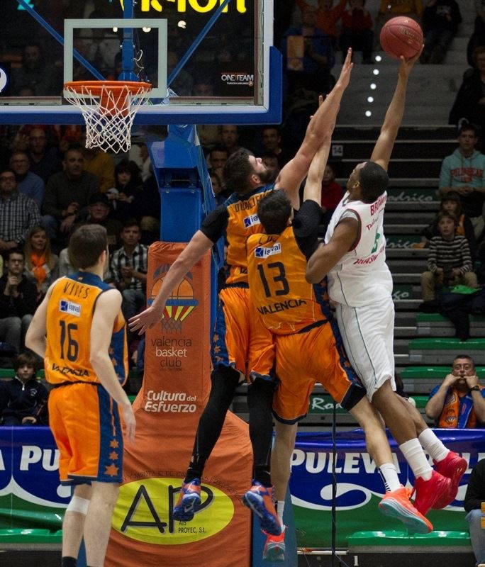 Derrick Brown - Lokomotiv Kuban - EC14 (photo Valencia Basket - Miguel Angel Polo)