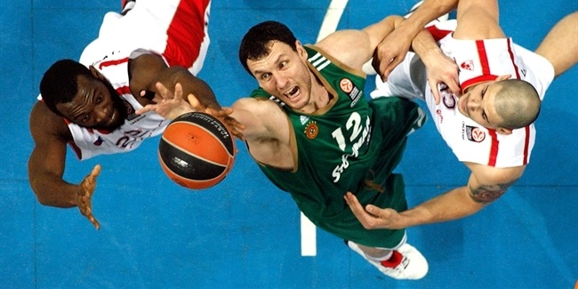AEK Athens lands center Mavrokefalidis