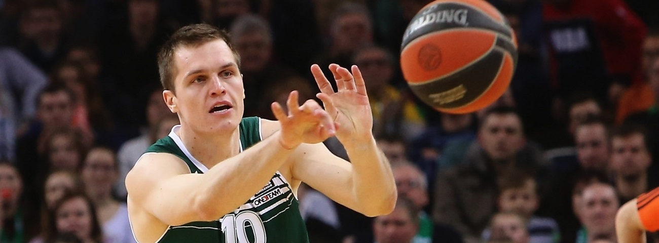 Zalgiris re-signs Lipkevicius, Vecvagars