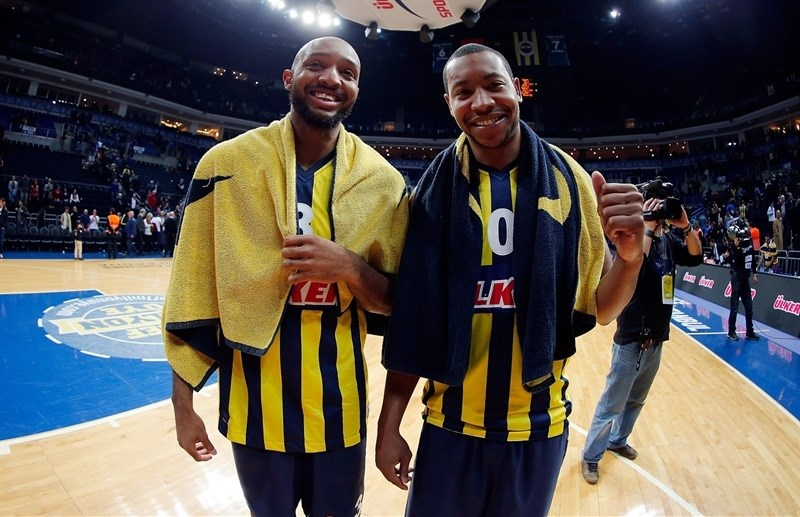 Ricky Hickman and Andrew Goudelock celebrates - Fenerbahce Ulker Istanbul - EB14