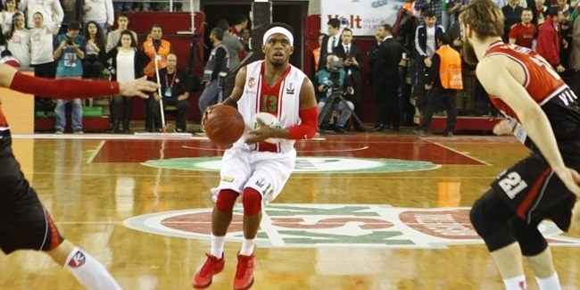 Fenerbahce adds playmaker Dixon