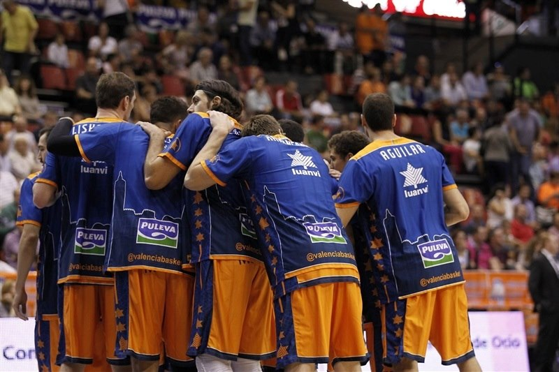 Valencia Basket in pregame - EC14 (photo Valencia Basket - Miguel Angel Polo)