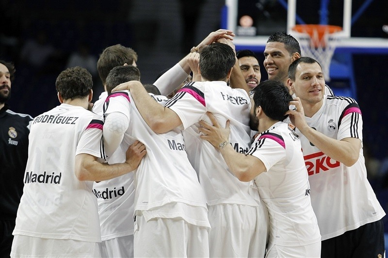 Real Madrid in pregame - EB14