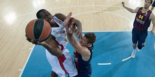 Anadolu Efes bulks up with Brown, Dunston
