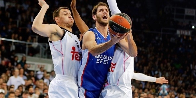 Playoffs Game 3 report: Janning's buzzer-beater lifts Anadolu Efes over Madrid