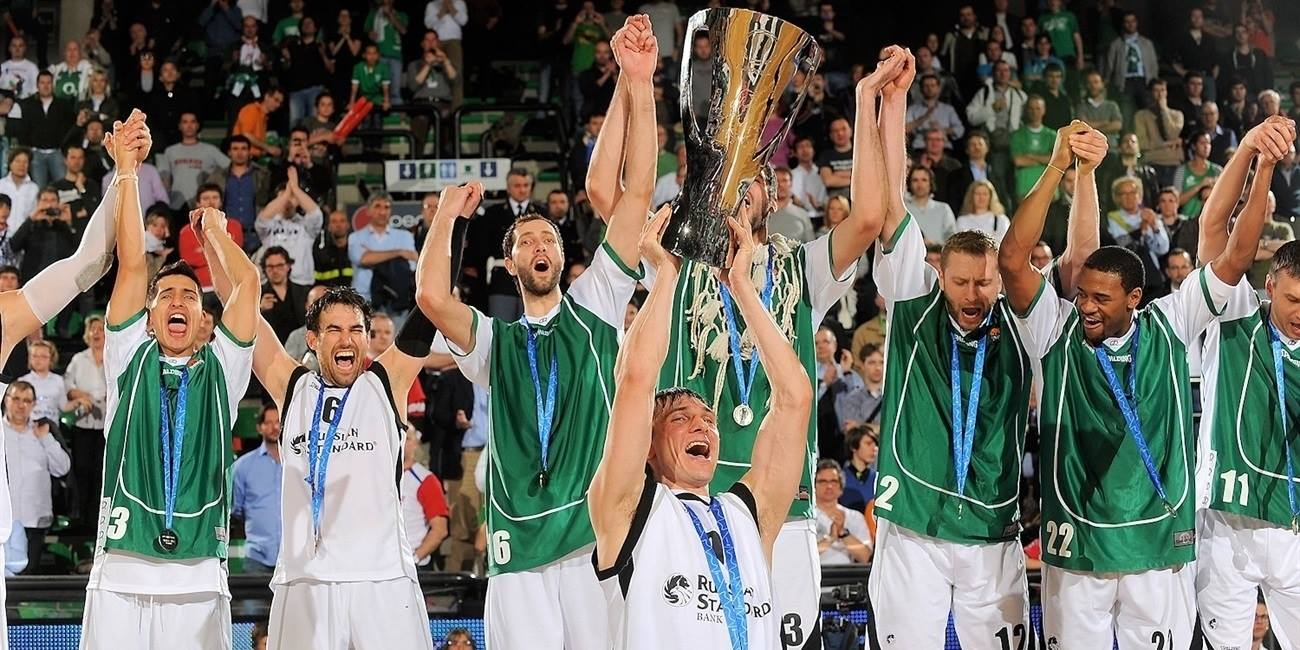 Unics is the new champ - Unics celebrates - Finals Treviso 2011 - EC10