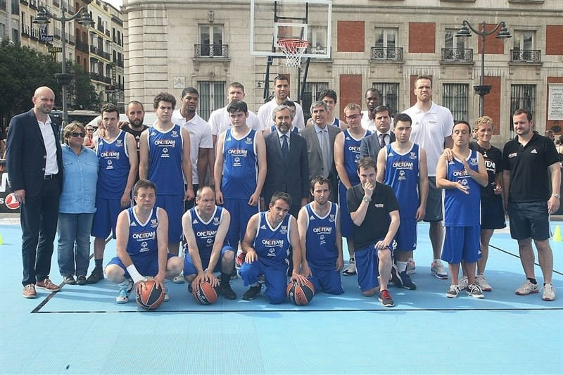 One Team Session with Special Olympics - Final Four Madrid 2015 - EB14