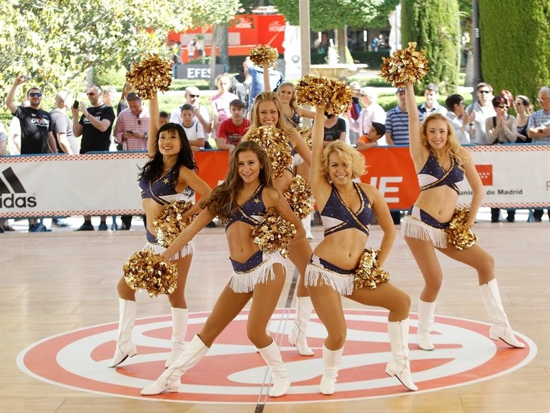 Efes Euroleague Cheerleaders - One Team legends session and exhibition games - FanZone - Final Four Madrid 2015 - EB14