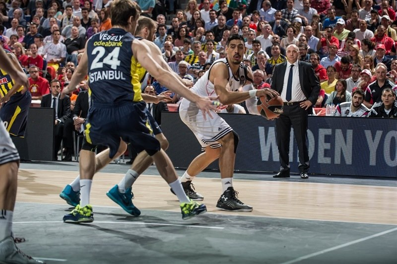 Gustavo Ayon - Real Madrid - Final Four Madrid 2015 - EB14