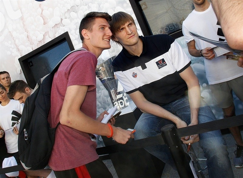 Andrei Kirilenko with Euroleague trophy - adias stand - Fanzone in Plaza Oriente - Final Four Madrid 2015 - EB14b