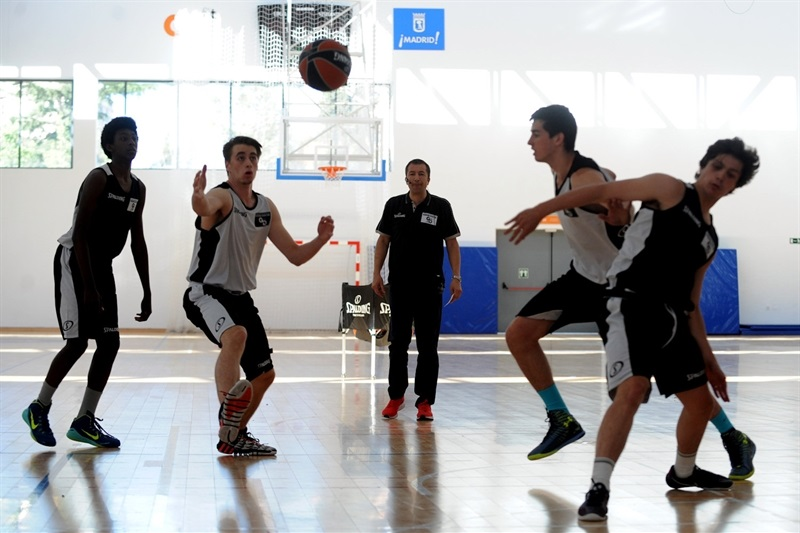 Luca Banchi - Internacional Coaches Clinic Jose Luis Abos - Final Four Madrid 2015 - EB14